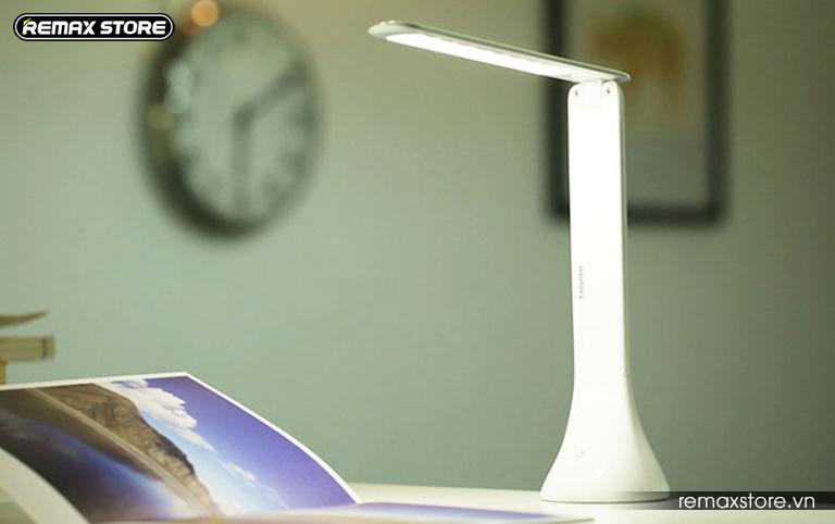 Đèn led cảm ứng chống cận gập gọn 180 độ Remax RL - E180 - 2