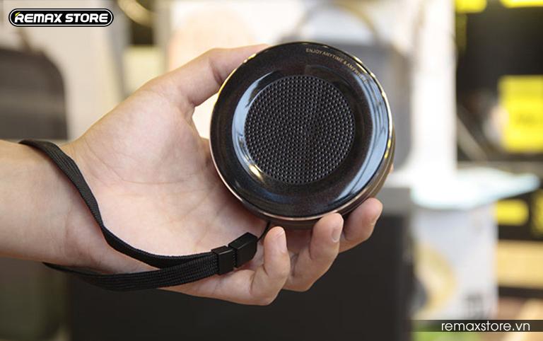 Loa Bluetooth tròn mini Remax RB - M13 - 18